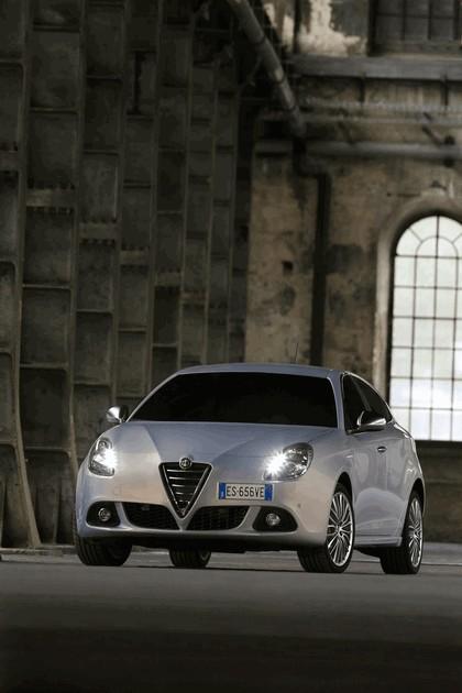 2014 Alfa Romeo Giulietta 9