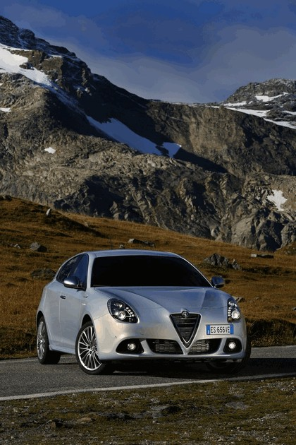 2014 Alfa Romeo Giulietta 15