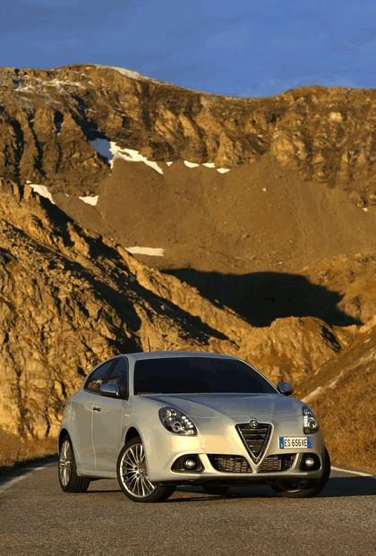 2014 Alfa Romeo Giulietta 17