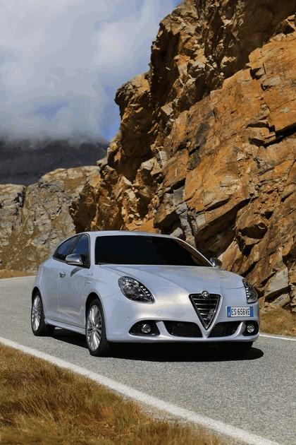 2014 Alfa Romeo Giulietta 19