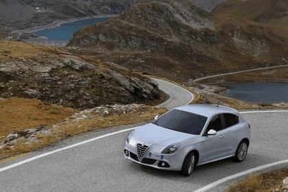 2014 Alfa Romeo Giulietta 27