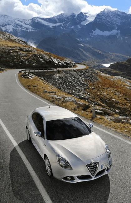 2014 Alfa Romeo Giulietta 29