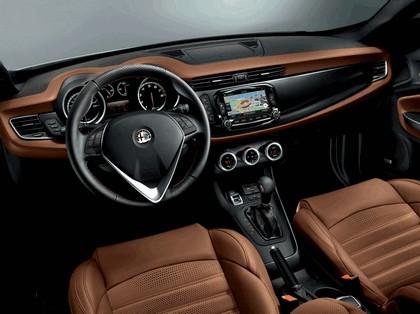2014 Alfa Romeo Giulietta 41