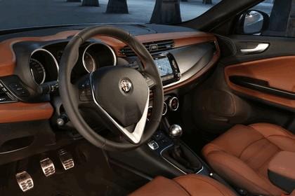 2014 Alfa Romeo Giulietta 42