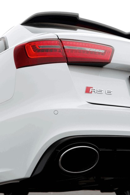 2013 Audi RS6 Avant - UK version 34