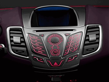 2007 Ford Verve concept 15