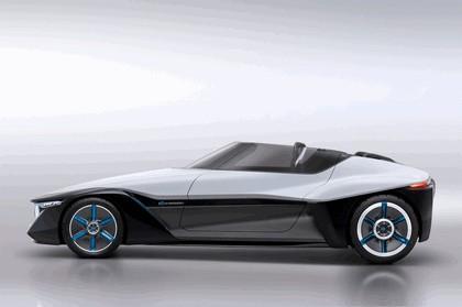2013 Nissan BladeGlider concept 5