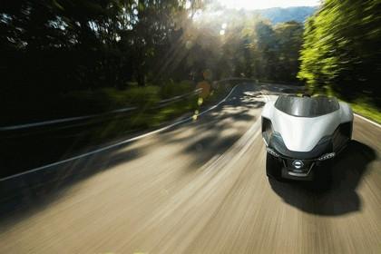 2013 Nissan BladeGlider concept 8