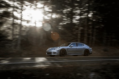 2014 Porsche Panamera 4S 11