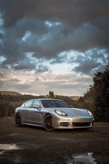 2014 Porsche Panamera 4S 14