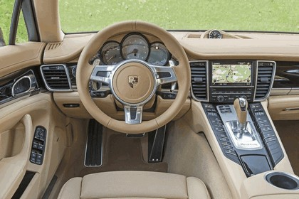 2014 Porsche Panamera 4S 26