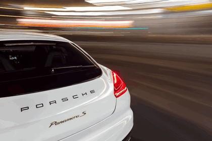 2014 Porsche Panamera S E-Hybrid 22