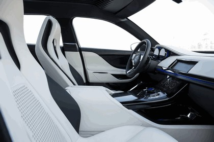 2013 Jaguar C-X17 - Dubai unveiling 49