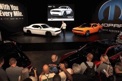 2013 Dodge Challenger HEMI Shaker 8