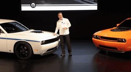2013 Dodge Challenger HEMI Shaker 11