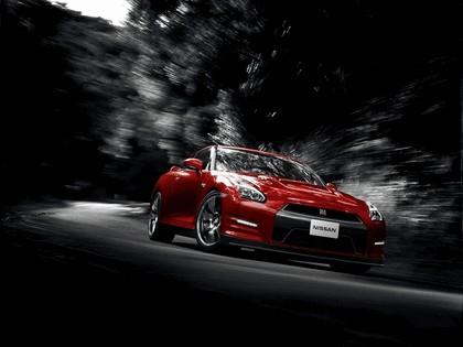 2014 Nissan GT-R ( R35 ) 4