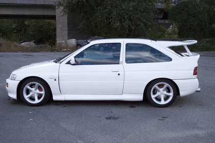 1992 Ford Escort RS Cosworth 2
