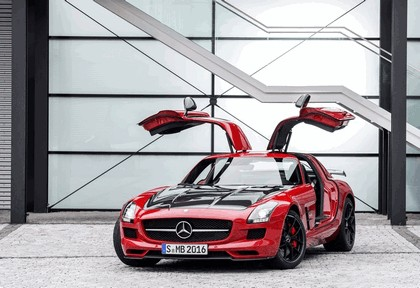 2013 Mercedes-Benz SLS 63 AMG GT Final Edition 7