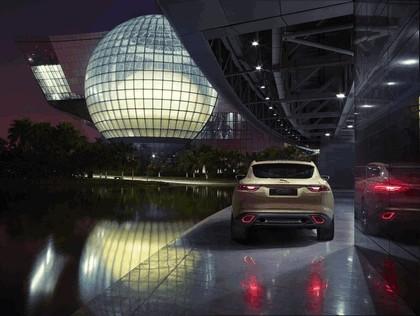 2013 Jaguar C-X17 5-seater concept 8