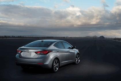 2014 Hyundai Elantra sedan Limited 3