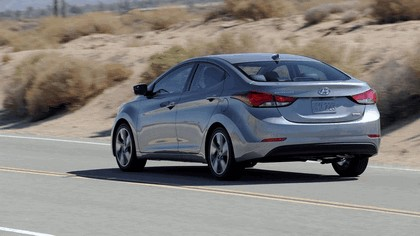 2014 Hyundai Elantra sedan Limited 12