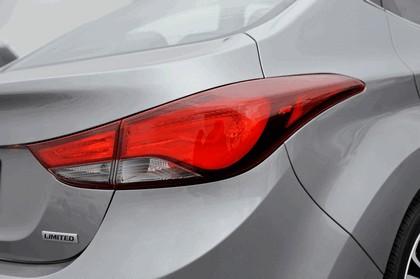 2014 Hyundai Elantra sedan Limited 18