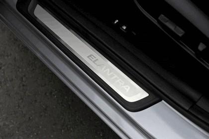 2014 Hyundai Elantra sedan Limited 20