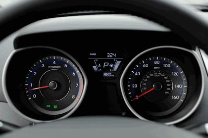 2014 Hyundai Elantra sedan Limited 22