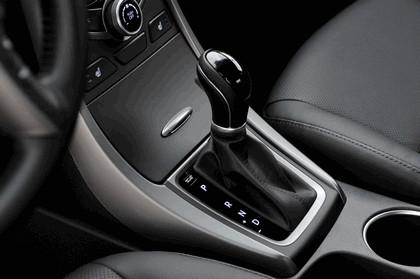 2014 Hyundai Elantra sedan Limited 27