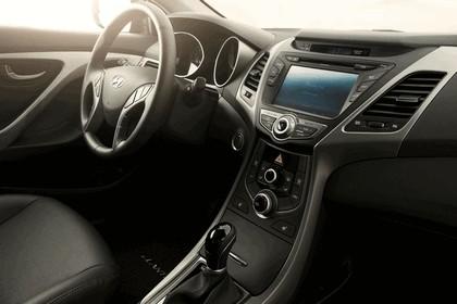 2014 Hyundai Elantra coupé 13