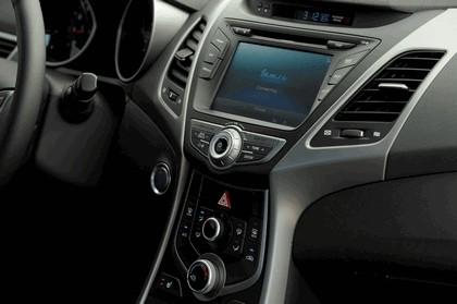 2014 Hyundai Elantra coupé 14