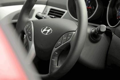 2014 Hyundai Elantra coupé 16