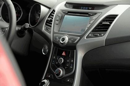 2014 Hyundai Elantra coupé 17