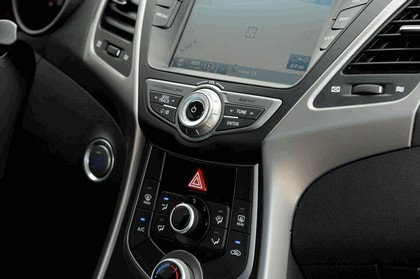 2014 Hyundai Elantra coupé 18