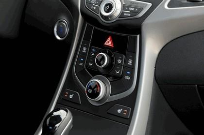 2014 Hyundai Elantra coupé 19