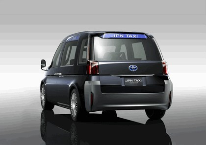 2013 Toyota JPN Taxi concept 3