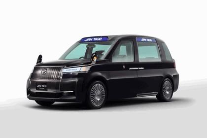 2013 Toyota JPN Taxi concept 5