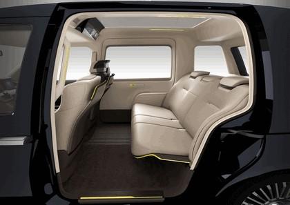 2013 Toyota JPN Taxi concept 10