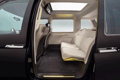 2013 Toyota JPN Taxi concept 11