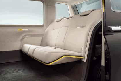 2013 Toyota JPN Taxi concept 13