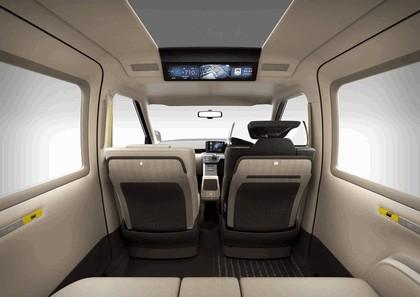 2013 Toyota JPN Taxi concept 18