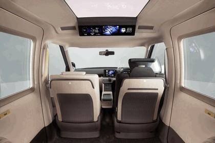 2013 Toyota JPN Taxi concept 19