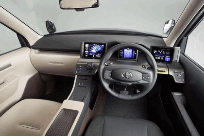 2013 Toyota JPN Taxi concept 21