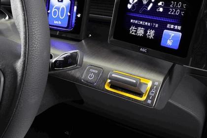 2013 Toyota JPN Taxi concept 22