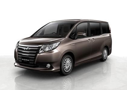 2013 Toyota Noah concept 1