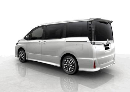2013 Toyota Voxy concept 2