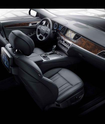 2015 Hyundai Genesis sedan 23