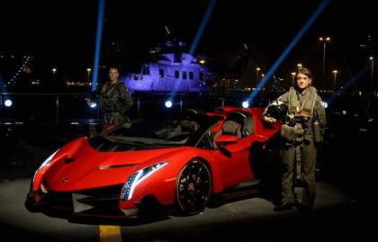 2013 Lamborghini Veneno Roadster - world premiere on Cavour 4