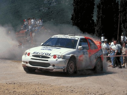 1992 Ford Escort RS Cosworth rally 9