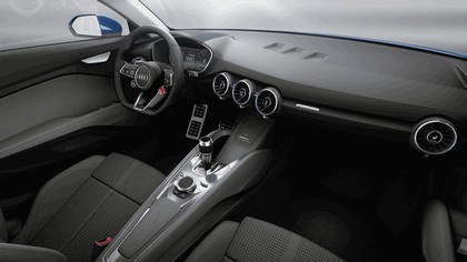 2014 Audi Allroad Shooting Brake e-Tron concept 5